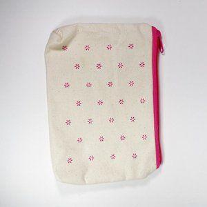 Cosmetics Bag Cream and Pink Zipper
